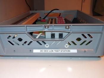 DC_DCC_Lok_Test_Station_Seitenansicht
